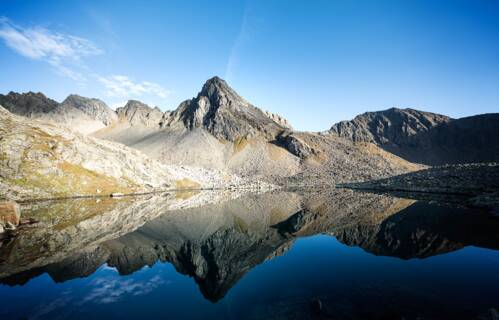 summer holiday tyrol mountain lake hiking