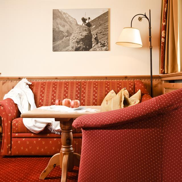 sitting area hotel stubaierhof neustift