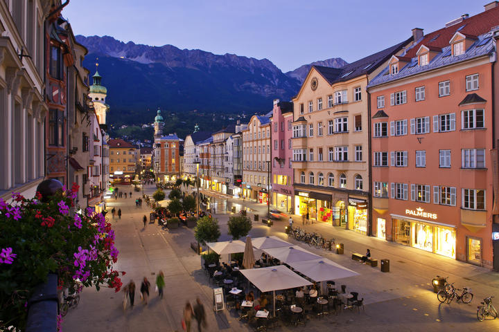 innsbruck old town at night | © Innsbruck Tourismus/Christof Lackner