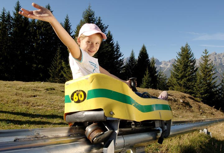 hiking holiday stubaital summer toboggan run | © Serlesbahnen Mieders