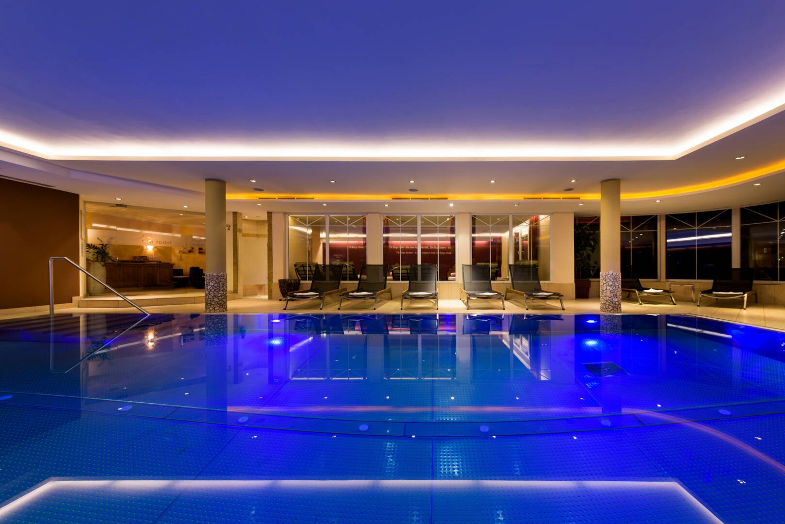 Pool with current to swim against - The Pool Features A Jetstream System That Allows You To Swim Against The Current As Well As Bubble And Massage Facilities